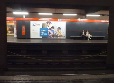 ミラノの地下鉄は得意になった(≧ω≦)b
