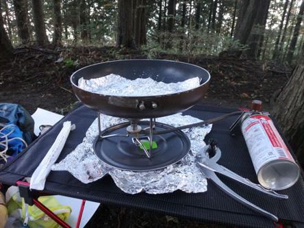 まずは餃子を焼いてから焼き肉へ