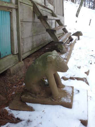 大岳神社のカワイイ狛犬