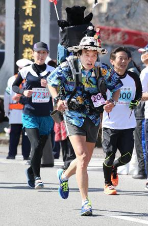 人吉マラソン、終盤のためかまともに走っとる(笑)