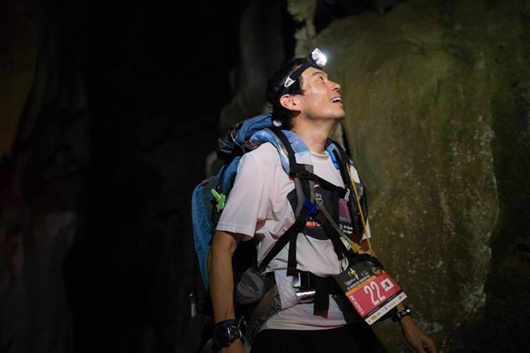 洞窟前の写真を発見