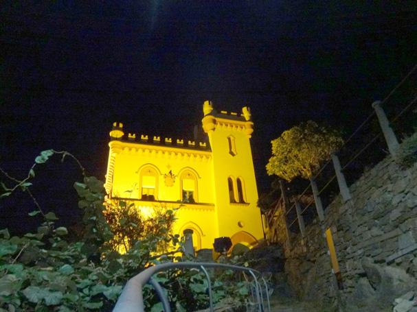 お城みたいな市庁舎(?)