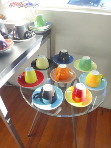 滞在したホテルのカップ類、配色まねしよ