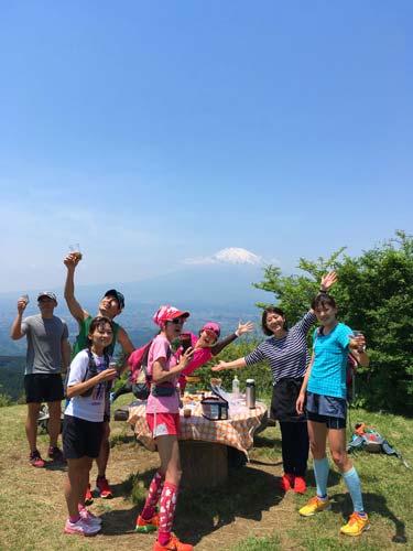 富士山を眺めるカフェ