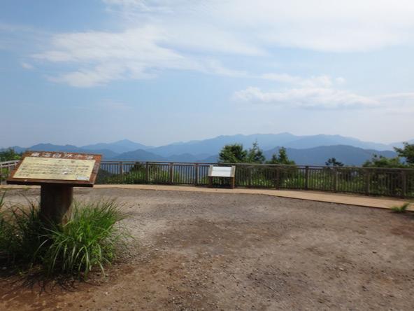 一丁平から富士山見えず