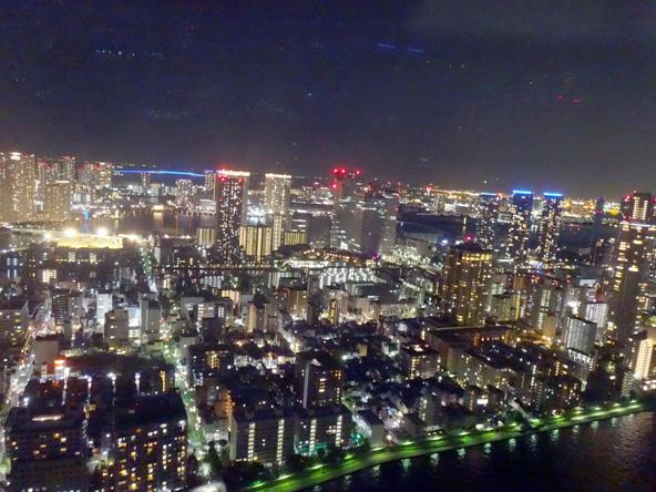 スポーツクラブのビルから夜景をちら見