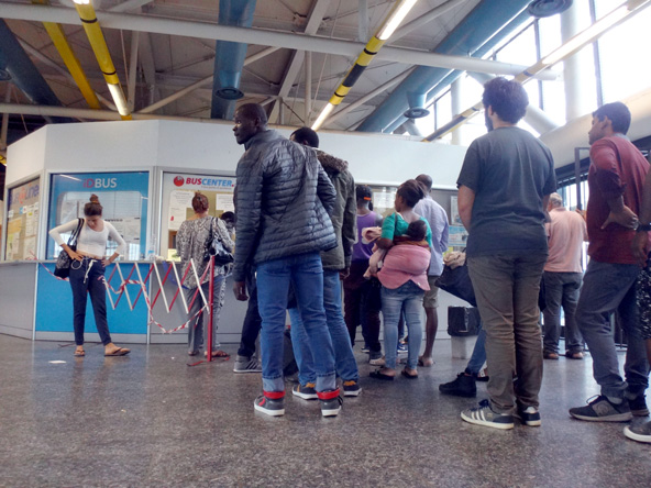 ミラノエキスポ以来治安が悪くなって一触即発なランプニャーノ駅