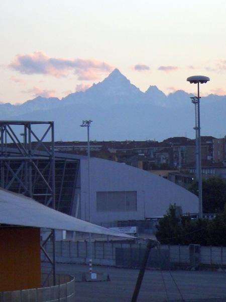 トリノから見えるモンビソ山