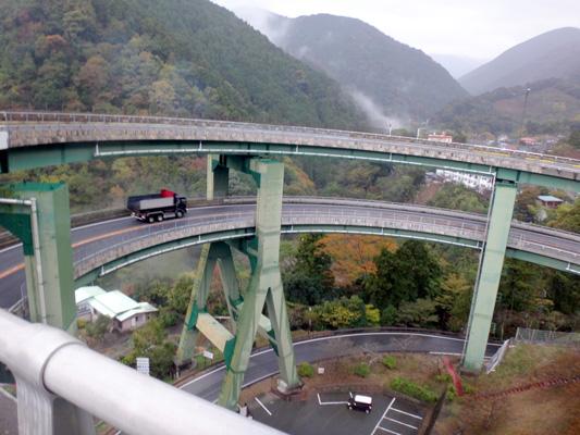 三重のループ橋