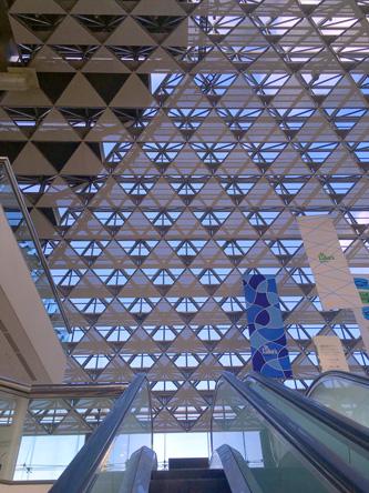 幾何学模様のタワーの屋根