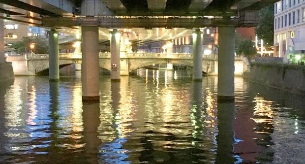 日本橋の川面もまぁまぁ