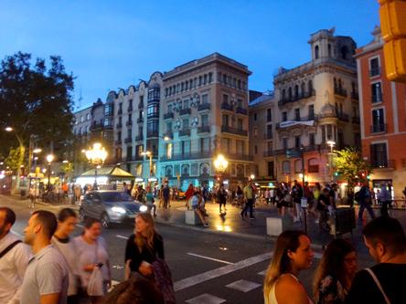 活気あるバルセロナ