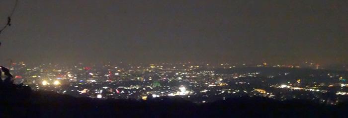 高尾山展望台からの夜景