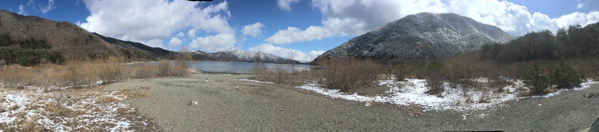 パノラマで撮った本栖湖